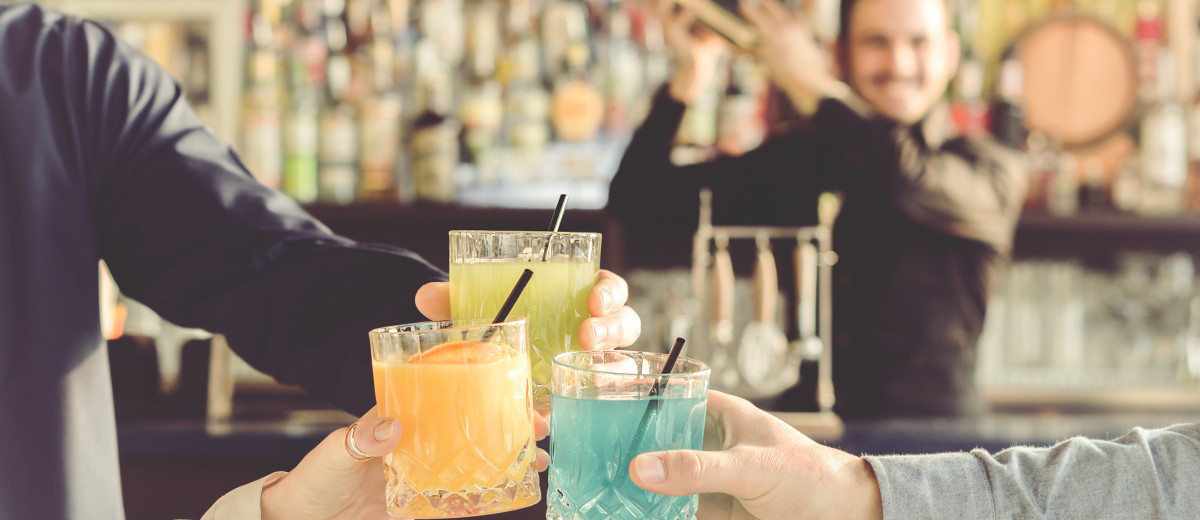 Steps to Plan a Perfect Bar Crawl