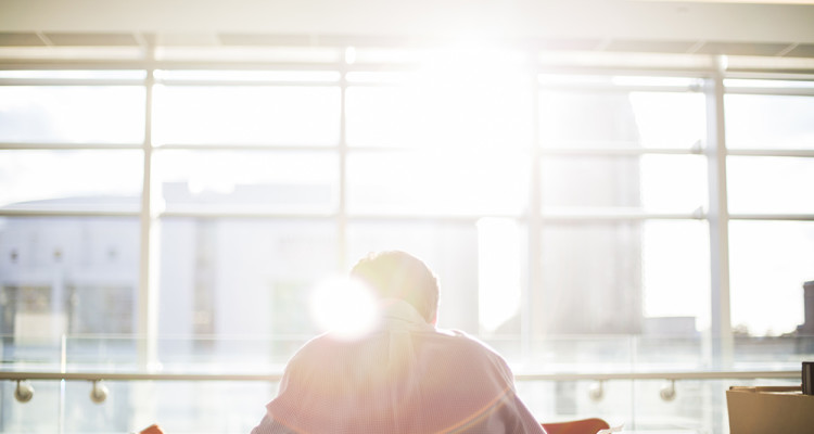 5 Reasons Why You Should Quit Your Day Job